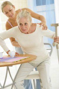 evitez-les-chutes-a-domicile-personne-agee