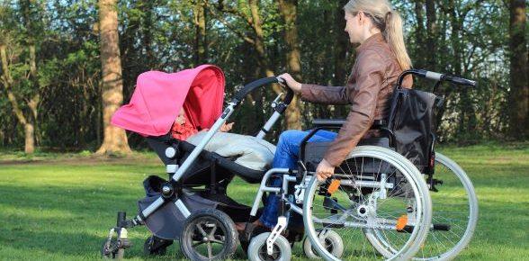 PCH Parentalité : des aides financières pour les parents en situation de handicap